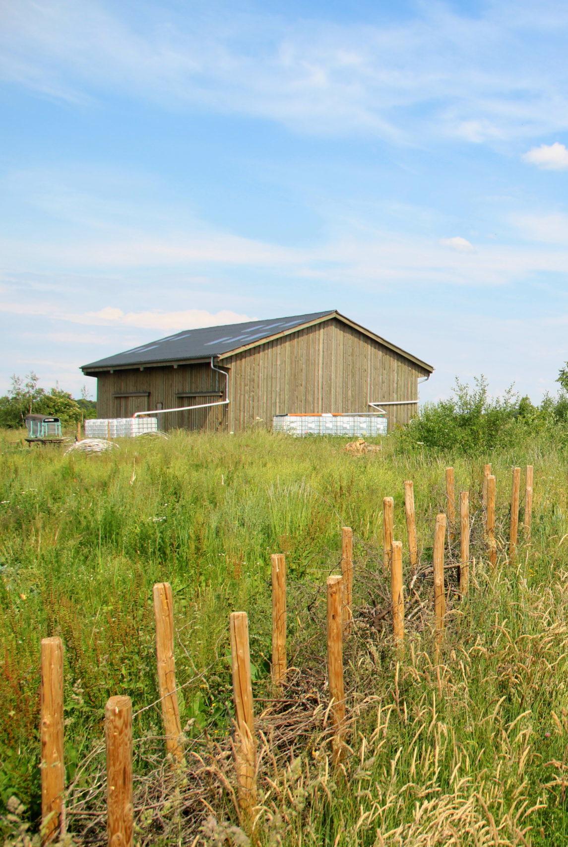 Terrain et bâtiment de Canopée, coopérative en agroforesterie, dans le sud de la Belgique